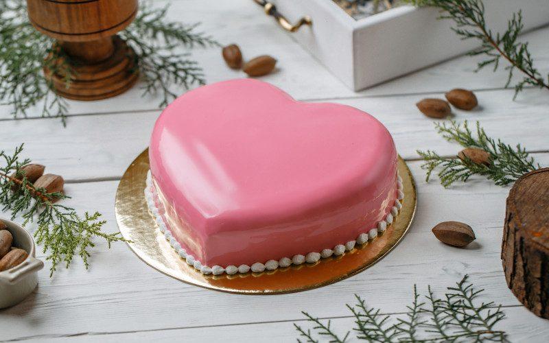 XOXO Love Cake